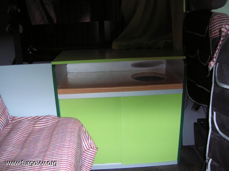Galeria de fotos de furgonetas camper campervan picture for Los muebles mas baratos