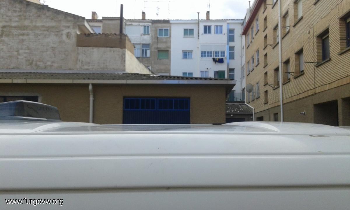 Placas solares semiflexibles y el techo de la furgo for Puedo poner placas solares en mi casa