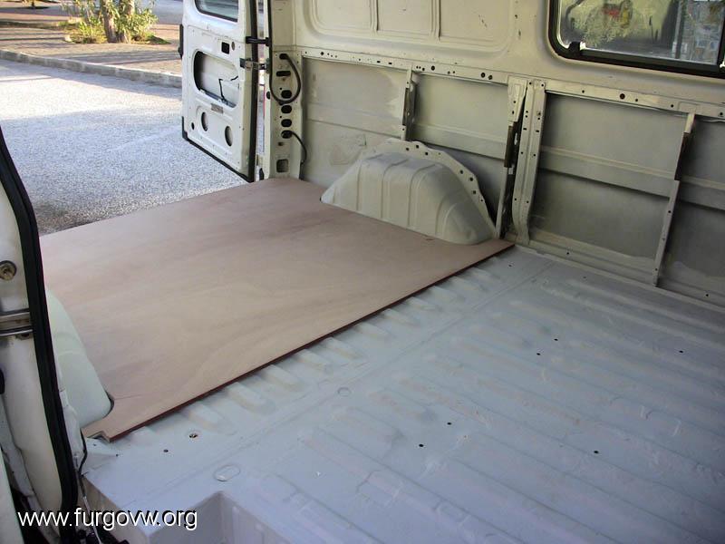 Ford transit del 97 camperizaci n en marcha for Sintasol leroy merlin