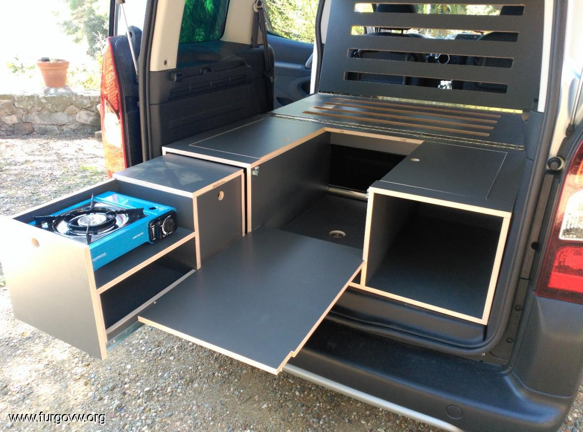 Peugeot partner tepee outdoor for Muebles de camping de segunda mano