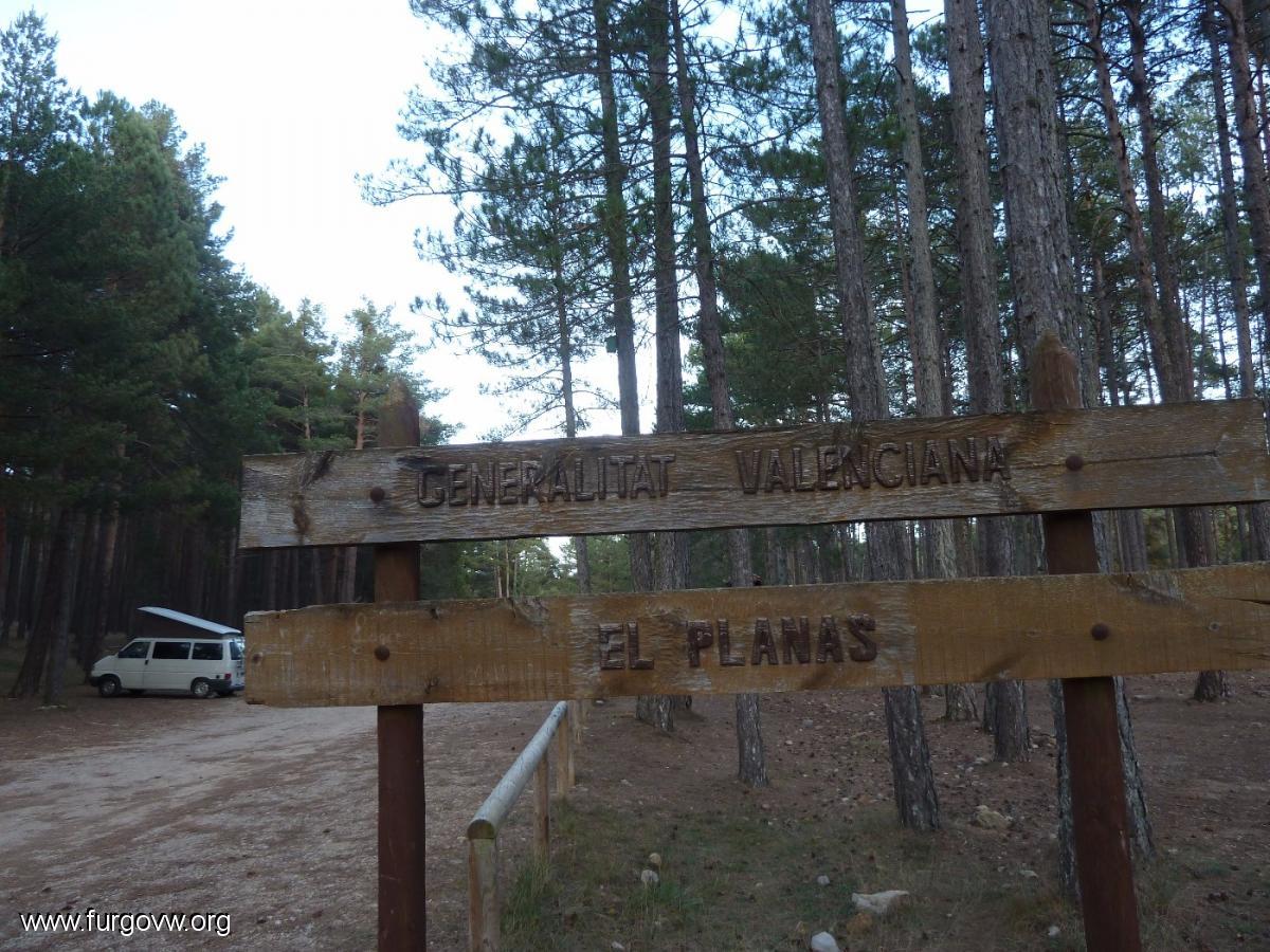 castell u00d3n   furgoperfecto  area de acampada el planas