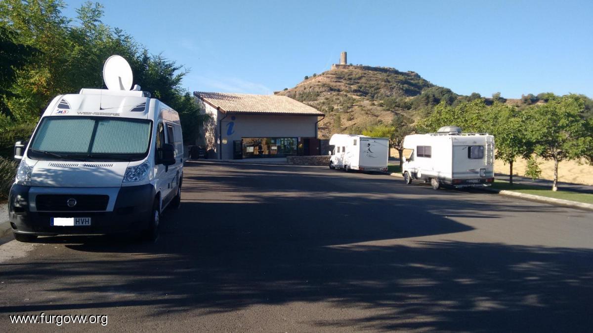 Huesca furgoperfecto parking oficina de turismo en viacamp for Oficina de turismo huesca
