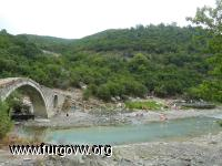 Rio Langarica. Zona termal. Albania