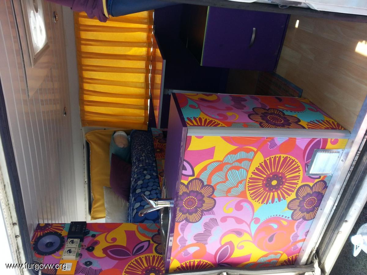 Forrar los muebles con papel pintado vinilico for Forrar muebles con papel pintado