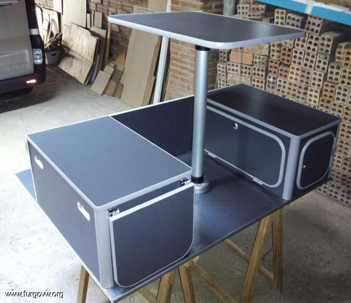 Mueble kit berlingo 2 partner for Muebles para furgonetas camper