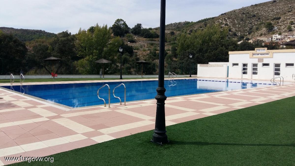 Alicante camping camping municipal tollos tollos for Piscina municipal alicante