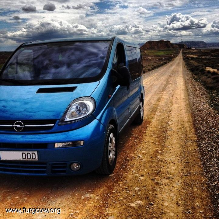 me la quedooooo opel vivaro tour 2 5 135cv 2005 camper borrar. Black Bedroom Furniture Sets. Home Design Ideas