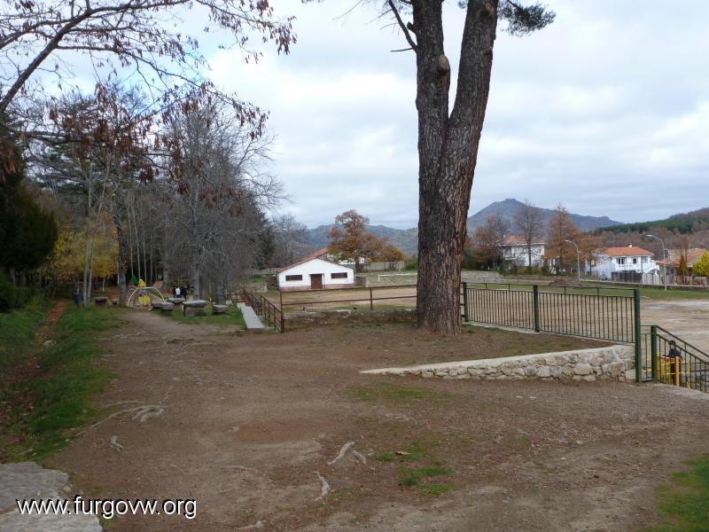 Salamanca furgoperfecto campo de futbol de candelario for Oficina turismo salamanca
